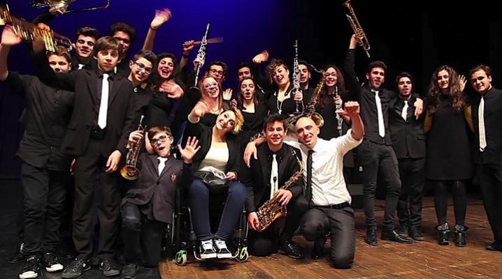 """MYO - Mondaino Young Orchestra in concerto a L'arboreto -Teatro Dimora con il nuovo spettacolo MYO vs. MYO, storia di una battaglia"""""""